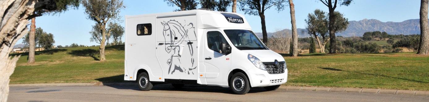 camión transporte caballos